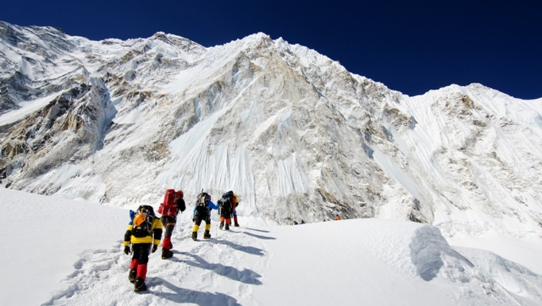 Mt everest tourism 171676392 09897